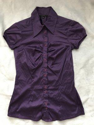 Hübsche Bluse mit Raffung