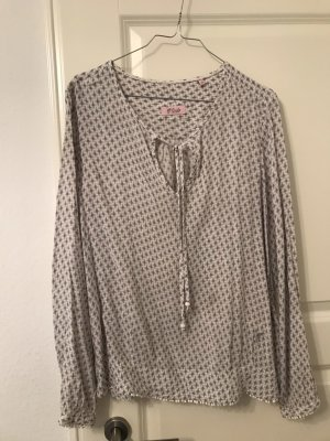 Hübsche Bluse von Emily