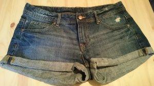 hübsche H&M Shorts, Hot Pants Gr. M