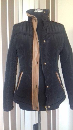 Hübsche Jacke, gesteppt,schwarz,Gr. M