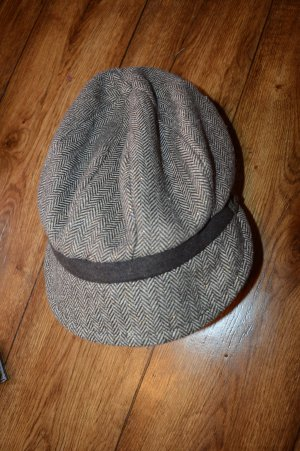 Hübsche Mütze von Esprit mit Lurex
