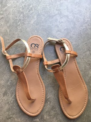 Hübsche Sandalen zu verkaufen!