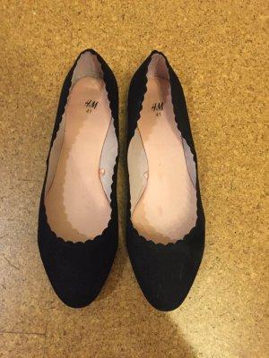 Hübsche schwarze Ballerinas Gr. 41