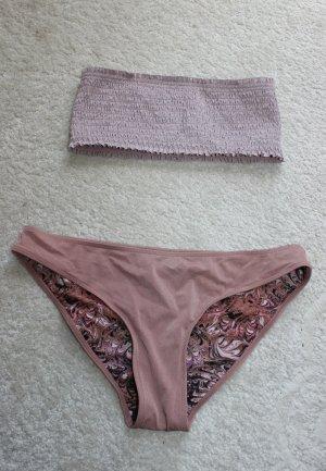 Hübscher Bikini in lila