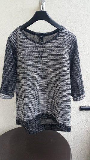 hübscher, grau-schwarz-weiß melierter Pulli von H&M in Größe S