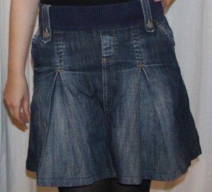 Hübscher Jeans-Faltenrock