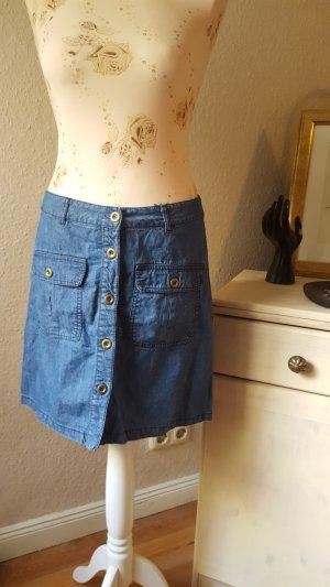 hübscher Jeansrock mit Knopfleiste