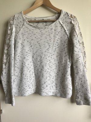 hübscher Pulli mit Crochet