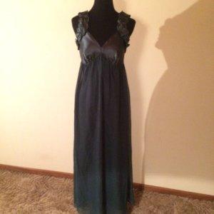 Hübsches Abendkleid grün Laura Scott