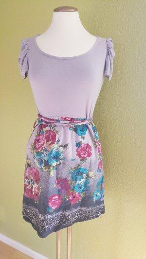 Hübsches, blumiges Kleid von Promod
