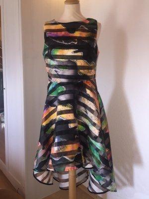 Hübsches Cocktail Kleid