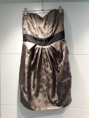 hübsches Corsagen-Kleid