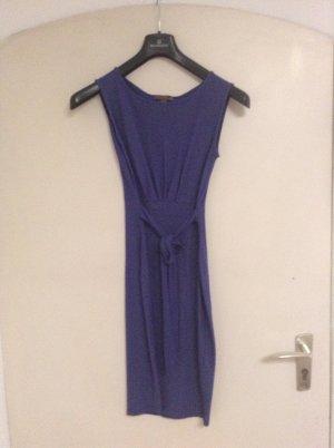 Hübsches enganliegendes Kleid von Fever London