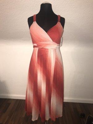 Hübsches, gemustertes Sommerkleid