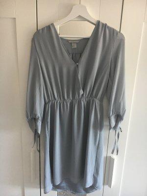Hübsches Kleid für alle Jahreszeiten