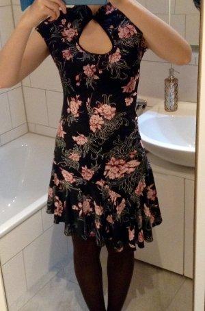 Hübsches Kleid im Asialook