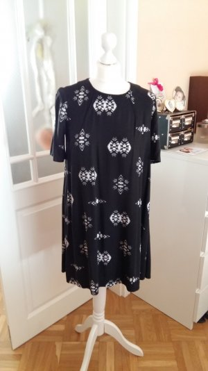 hübsches Kleid in A-Form