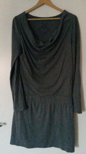 Hübsches Kleid in grau von ESPRIT