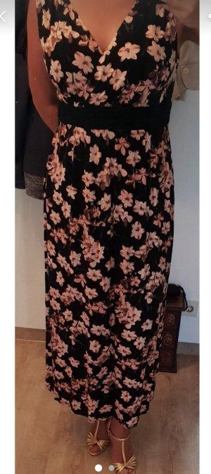 hübsches kleid mit Blumen