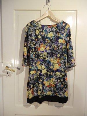 Hübsches Kleid mit Blumenmuster von Atmosphere, Größe 36