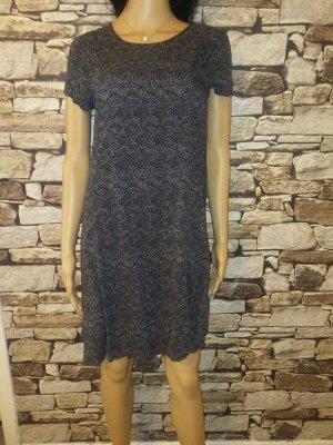 Hübsches Kleid von H & M