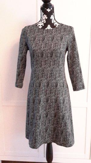 Hübsches Kleid von More&More