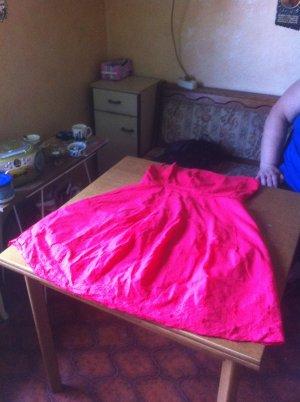 Hübsches Kleid von Orsay Gr 38