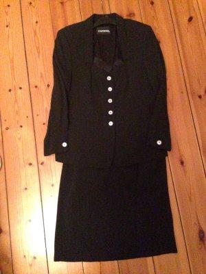 Hübsches Kostüm in schwarz mit Struktur