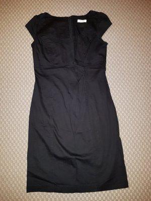 Hübsches längeres Kleid
