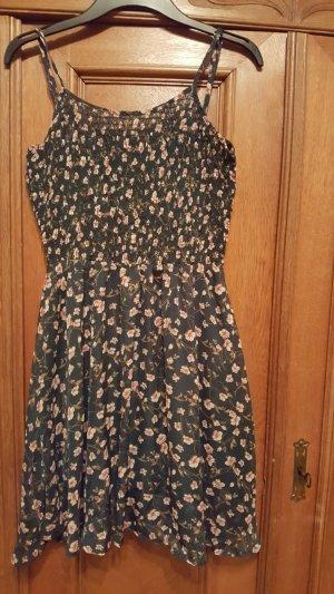 Hübsches lindgrünes Kleid mit Blümchen, 36, Zeagoo