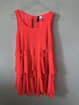 Hübsches, locker geschnittenes Sommerkleid in Koralle Größe 34 von H&M