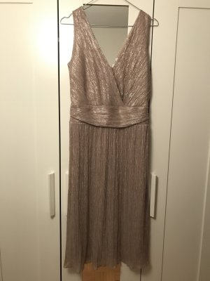 Hübsches Midi Kleid
