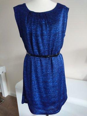 Hübsches neues Kleid in Gr. 36