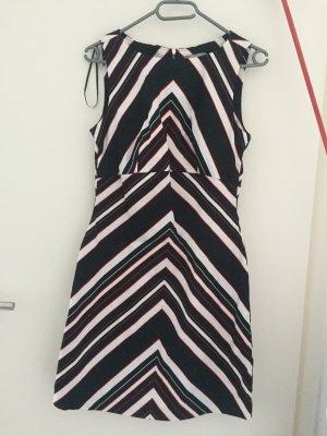 Hübsches Orsay Kleid