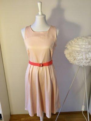 Hübsches ORSAY Sommerkleid mit Stoffgürtel und Taschen, Apricot/Peach (38)