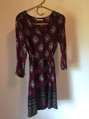 hübsches Promod Kleid Gr. M 38 dunkelrot Blumenprint
