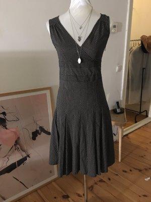 Hübsches Pünktchen Kleid
