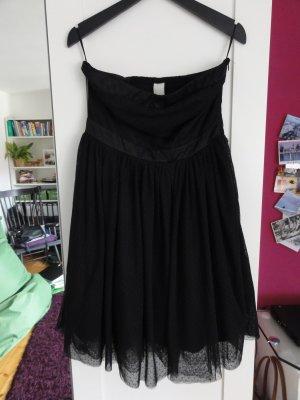 hübsches schwarzes Kleid von Vila