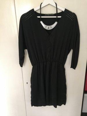 Hübsches schwarzes Kleid von Zara mit Nieten