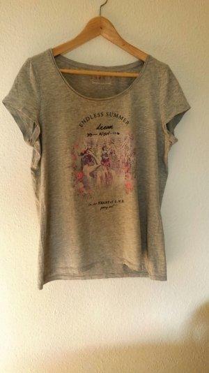 Hübsches Shirt von Esprit in Größe XL