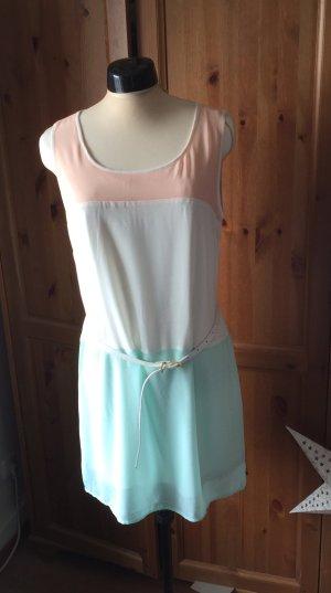 Hübsches Sommerkleid von LTB mit weissem Gürtel #EternalSummer