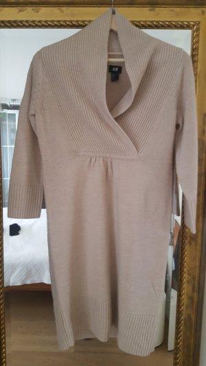 Hübsches Stickkleid H&M