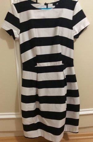 Hübsches Streifen-Kleid Gr. 34