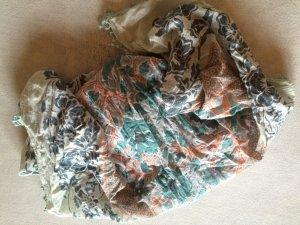 Hübsches Tuch von pieces in grün