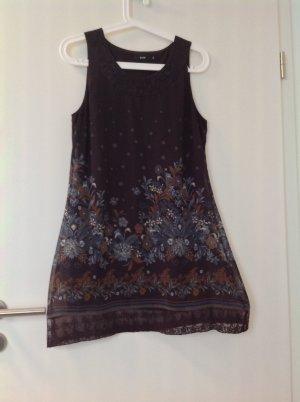 Hübsches Tunika Kleid mit Spitze