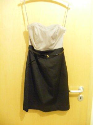 hübsches und elegantes Kleid