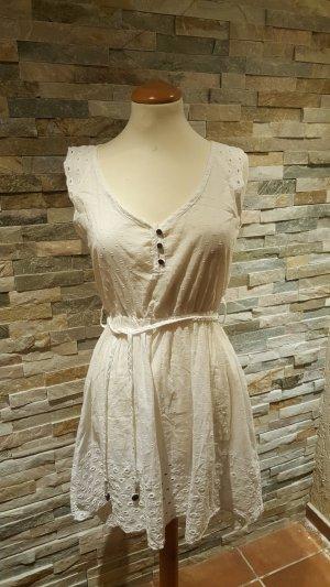 Hübsches weißes Kleid mit Lochstickerrei Spitze Größe S