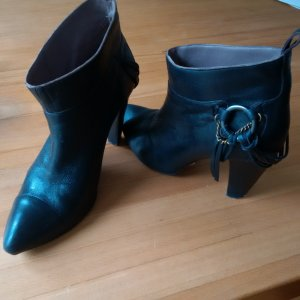 Hugo Boss Ankle Boots black leather