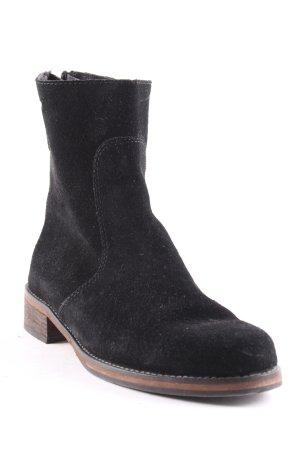 Hugo Boss Botas de tobillo negro estilo sencillo