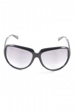 Hugo Boss Brille schwarz Street-Fashion-Look